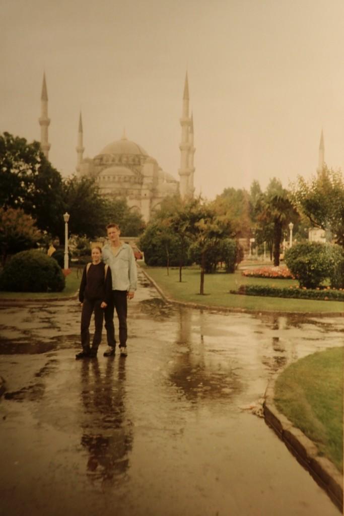 Vor der Blauen Moschee 1995